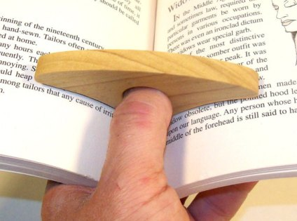 thumb ring page holder